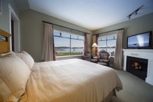 Deluxe Cannery Suite